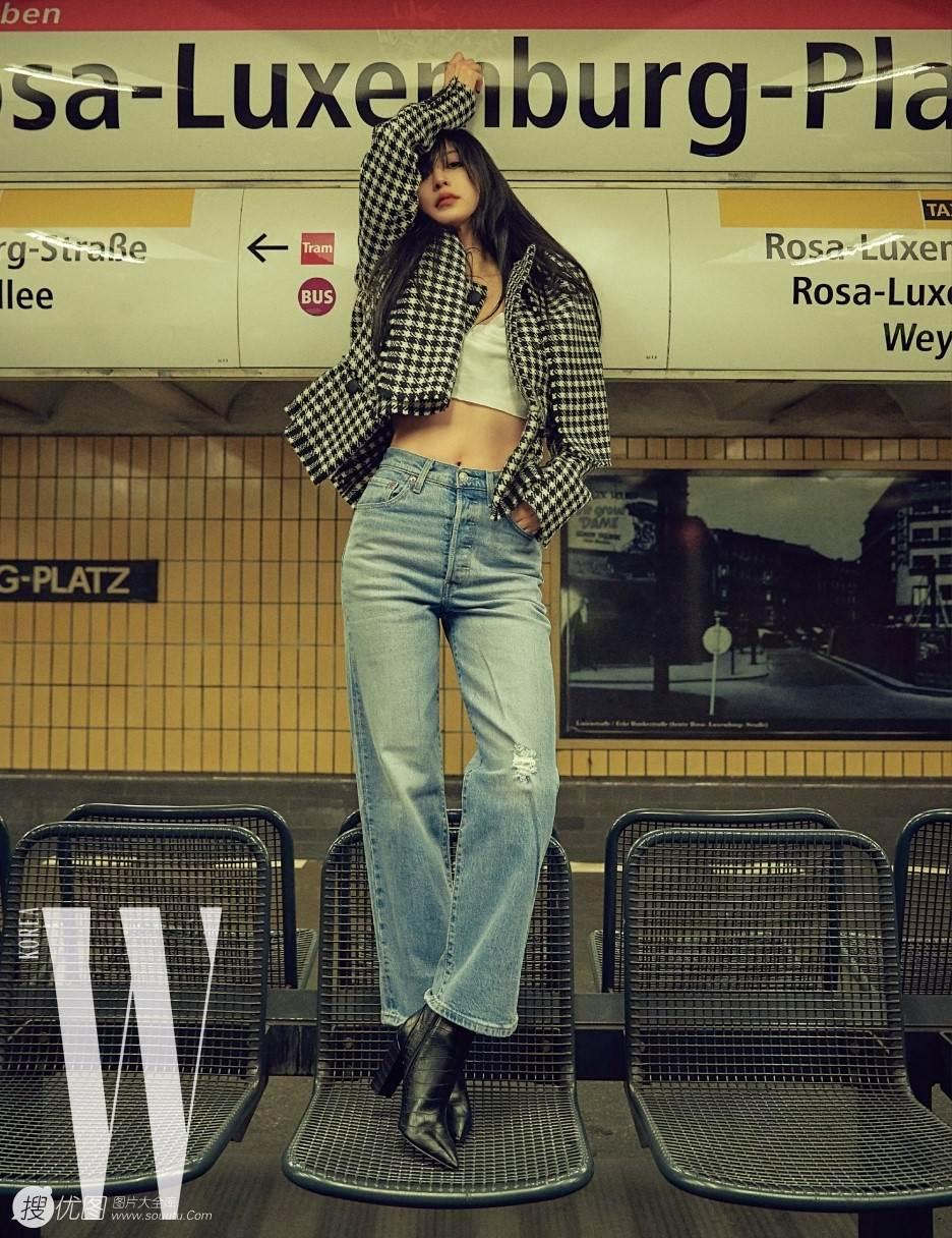 韩艺瑟化身个性非主流摩登少女,妆容魅惑,现身柏林街头 韩艺瑟,韩国美女,个性,非主流,摩登,街拍,第1张