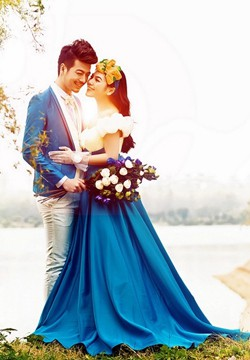 [婚纱图片]幸福新娘蓝色婚纱唯美摄影照片
