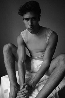 欧美小鲜肉男模高清黑白摄影照片